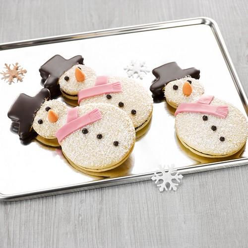 Recette de sablés bonhomme de neige chocolat pâte d'amandes - Condifa